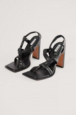 NA-KD Shoes NA-KD Shoes Hoge Hakken Met Knopen - Black