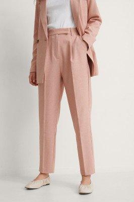 NA-KD Classic NA-KD Classic Gerecycleerd Cropped Pantalon - Pink