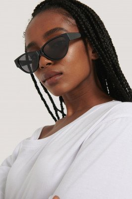 NA-KD Accessories NA-KD Accessories Drop Shaped Cateye Sunglasses - Black