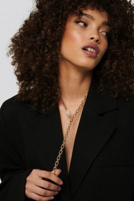 NA-KD Accessories Drop Chain Pearl Detail Necklace - Gold