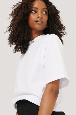 NA-KD Trend NA-KD Trend T-Shirt Met Schoudervullingen - White