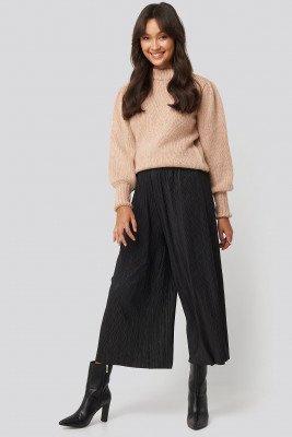 NA-KD Cropped Plisse Culottes - Black