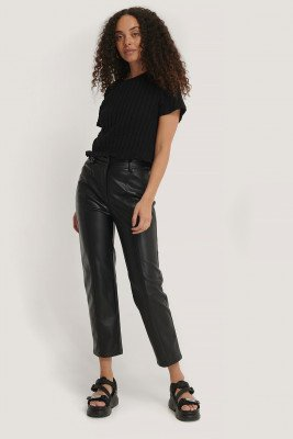 NA-KD NA-KD Seam Detail Straight PU Pants - Black