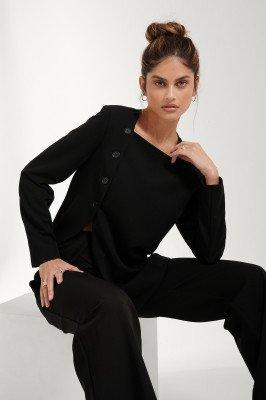 Mathilde Gøhler x NA-KD Asymmetrische Blazer Met Split - Black