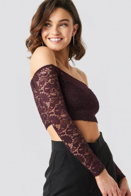 NA-KD Party NA-KD Party Off Shoulder Lace Top - Red
