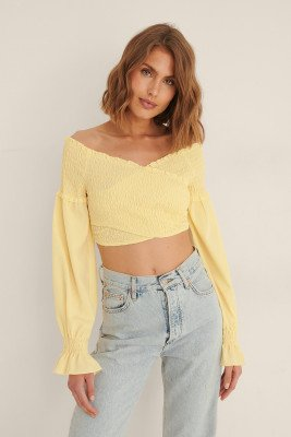 NA-KD Party NA-KD Party Gerecycleerd Gesmokte Wikkelblouse - Yellow