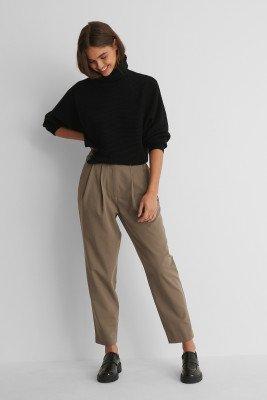 NA-KD Trend NA-KD Trend Pantalon Met Diepe Plooien - Brown