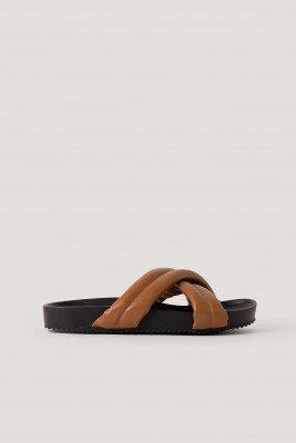 NA-KD Shoes Dikke Gekruiste Slippers - Brown