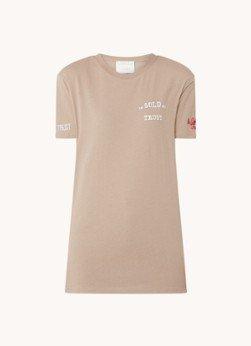 In Gold We Trust In Gold We Trust T-shirt van biologisch katoen met backprint