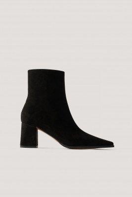 NA-KD Shoes Imitatiesuède Laarzen Met Smalle Neus - Black