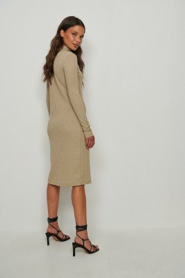NA-KD Basic NA-KD Basic Gerecycleerd Geribde Midi-jurk Met Hoge Halslijn - Beige