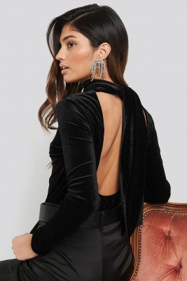 NA-KD Party Deep Back Velvet Top - Black