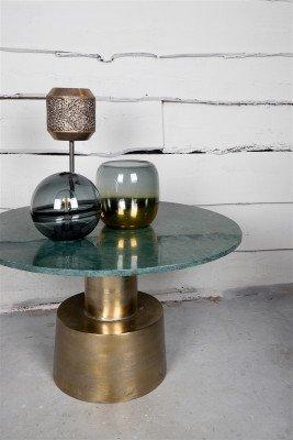 Firawonen.nl PTMD Kylen Grey glazen LED tafellamp bal houten voet