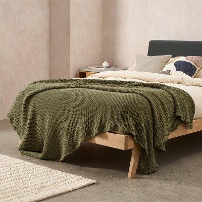 MADE.COM Grove 100% katoenen stonewashed bedsprei
