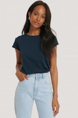 NA-KD Basic T-Shirt Met Ruwe Zoom - Navy