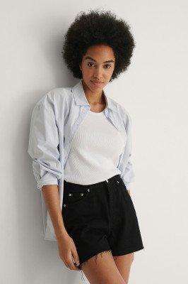 NA-KD NA-KD Organisch Jeanshort Met Ruwe Zoom - Black