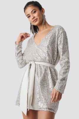 Hannalicious x NA-KD Hannalicious x NA-KD Oversized Tied Waist Sequin Dress - Silver