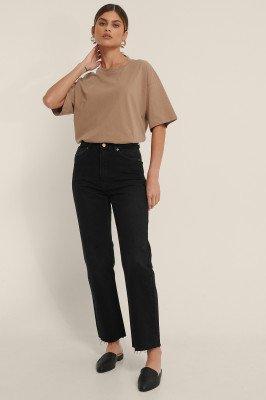 NA-KD Trend NA-KD Trend Organisch Rechte Jeans Met Hoge Taille En Ruwe Zoom - Black