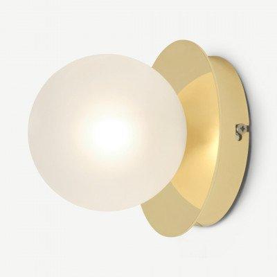 MADE.COM Boll wandlamp, messing en matglas