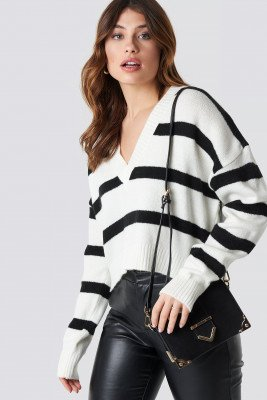 NA-KD Trend NA-KD Trend Pinstriped V-neck Knitted Sweater - White
