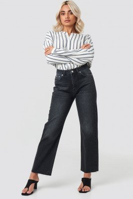 NA-KD NA-KD Raw Hem Straight Jeans - Black