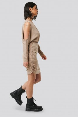 Olivia Salo x NA-KD Mini-Jurk - Beige