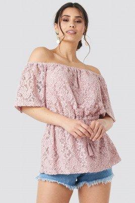 Luisa Lion x NA-KD Off Shoulder Lace Top - Pink