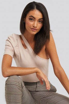NA-KD Trend Cut Out One Shoulder Top - Beige