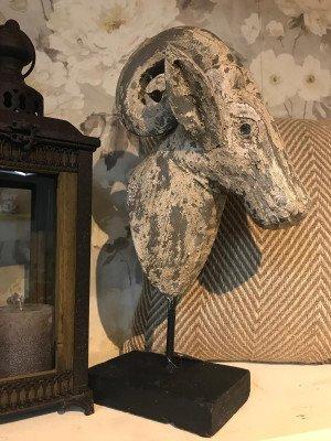 YardLife YardLife Ornament 'Steenbok' op voet