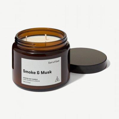 MADE.COM Earl of East Smoke & Musk 3-pits kaars