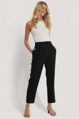 NA-KD Classic Cropped Gevoerde Pantalon - Black