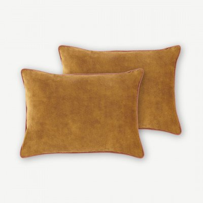 MADE.COM Castele set van 2 fluwelen kussens, 35x50cm, warm goud