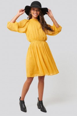 NA-KD Boho NA-KD Boho Jurk Met Geplooide Elastische Taille - Yellow