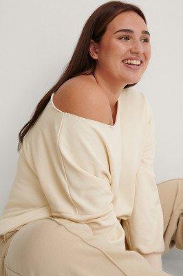NA-KD Basic NA-KD Basic Gerecycleerd Sweater Met One-shoulder En Ruwe Afwerking Bij De Hals - Beige