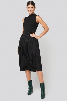NA-KD NA-KD Midi Sleeveless Pleated Dress - Black