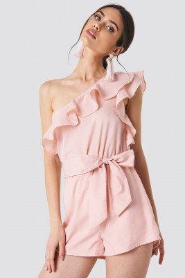 Schanna x NA-KD Schanna x NA-KD One Shoulder Frill Playsuit - Pink