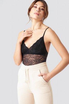 Pamela x NA-KD Pamela x NA-KD Lace Bodysuit - Black