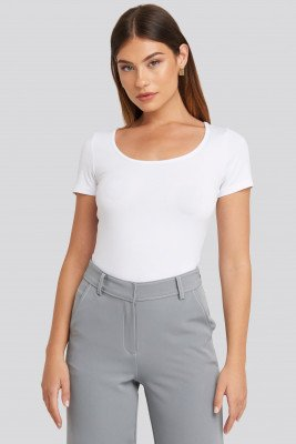 NA-KD Basic NA-KD Basic Deep Round Neck Fitted Top - White