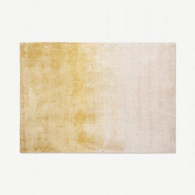 MADE.COM Tazim groot viscose vloerkleed 160 x 230cm, roze en geel
