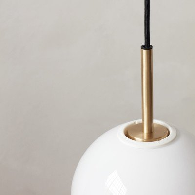 Menu Menu TR Bulb LED hanglamp 1lp messing/opaal glans