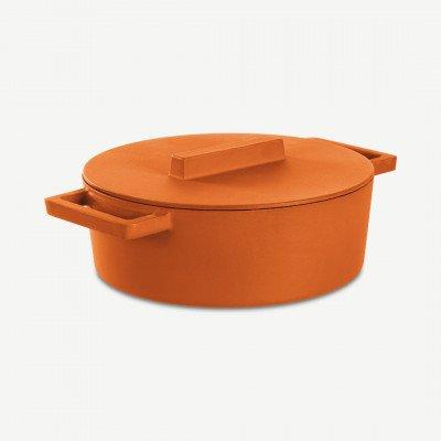 MADE.COM Sambonet gietijzeren ovalen stoofpan met deksel, 30 cm, curry